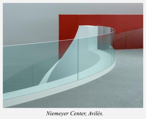Haut-escalier-Niemeyer-Center-Aviles-Asturies-Espagne