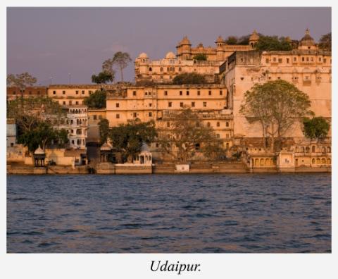 quais-et-palais-udaipur-rajasthan-inde