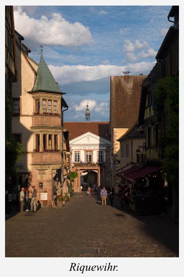 Rue-principale-Riquewihr-Alsace